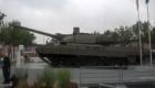 Το Ευρωπαϊκό Κύριο Άρμα Μάχης (ΕΜΒΤ) του ομίλου KNDS με το σκάφος του Leopard 2A7V και τον πύργο του Leclerc. (©«ΕΑ&Τ»/ Θεόδωρος Γώγος)