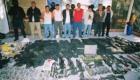 Συλληφθέντα μέλη μεξικανικού καρτέλ και ο οπλισμός τους.